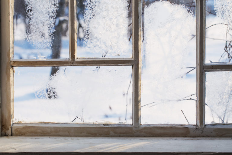 Why You Should Consider Replacing Windows and Doors in the Winter